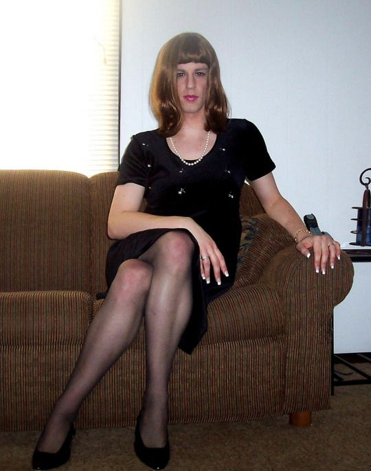 Male Crossdressers Triple Black Dress Hose And Heels
