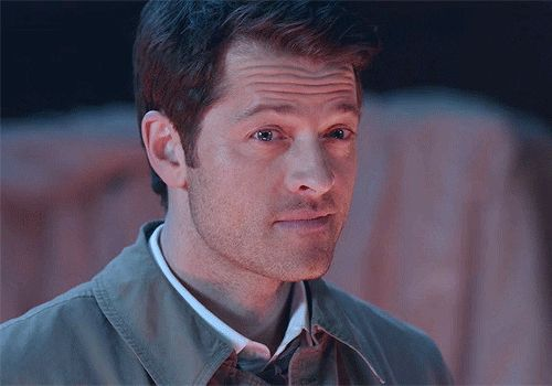 You know what I love about this? Castiel tilts his head to the right. Always. But this? This is Lucifer. He does it the wrong way.