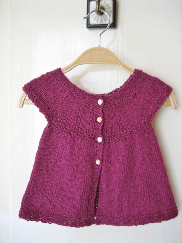 Quand on veut coudre un modèle tricot bébé fille gratuit, vous devez faire attention à des  caractéristiques comme on peut l'observer dans les modèles de cette page. Visuellement simpliste, la thématique tricot bébé fille gratuit réclame en réalité de la concentration parce qu'il s'avère être un exercice relativement spécifique.