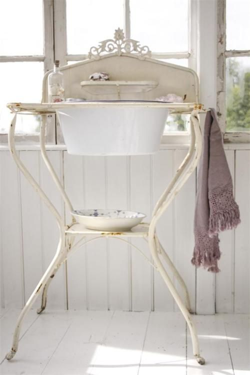 vintage wash stand, want to make a guest bath sink for the floating home with one of these! so cute!