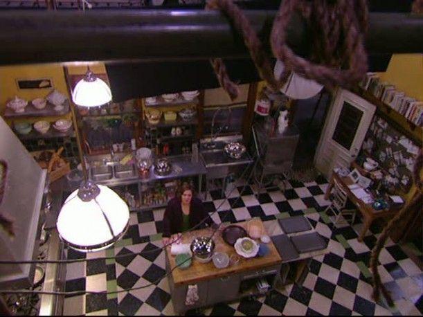 Tour-Dragonfly Inn kitchen set overhead. Inset tile with colour border!