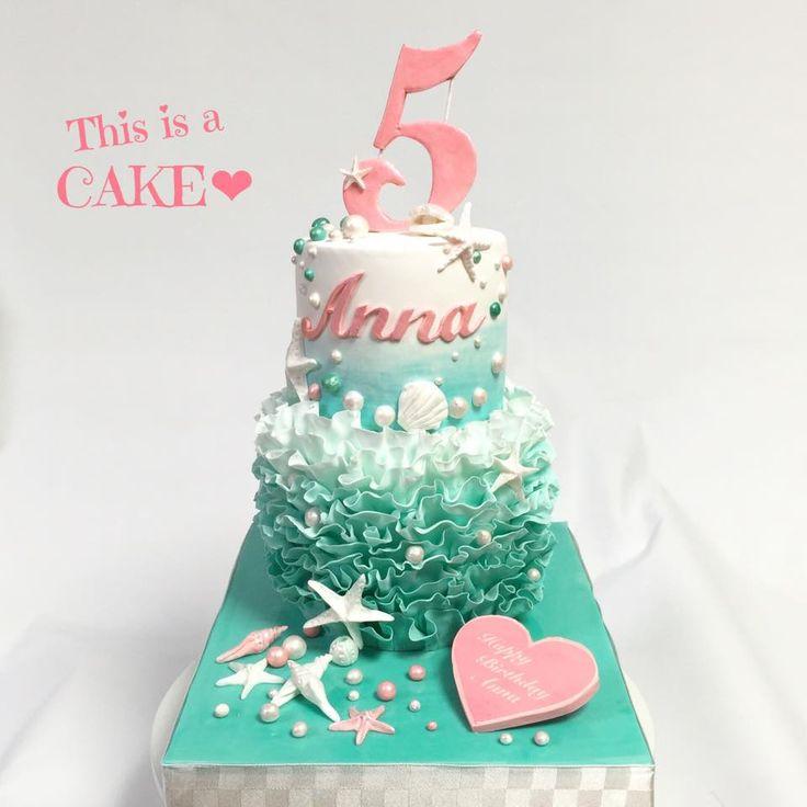 5歳の娘さんの誕生日パーティはリトルマーメイド風パーティーお母さんのイメージ(デザイン)をケーキで製作させていただきました #オーダーケーキ #リトルマーメイド #5歳 #誕生日ケーキ #パーティーテーマ #2段ケーキ #グラデーション #cakedecorating #LittleMermaid #girls #cake #fondantcake #partycake