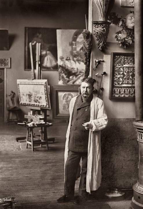Sorolla en su paraíso. En su estudio. 1906
