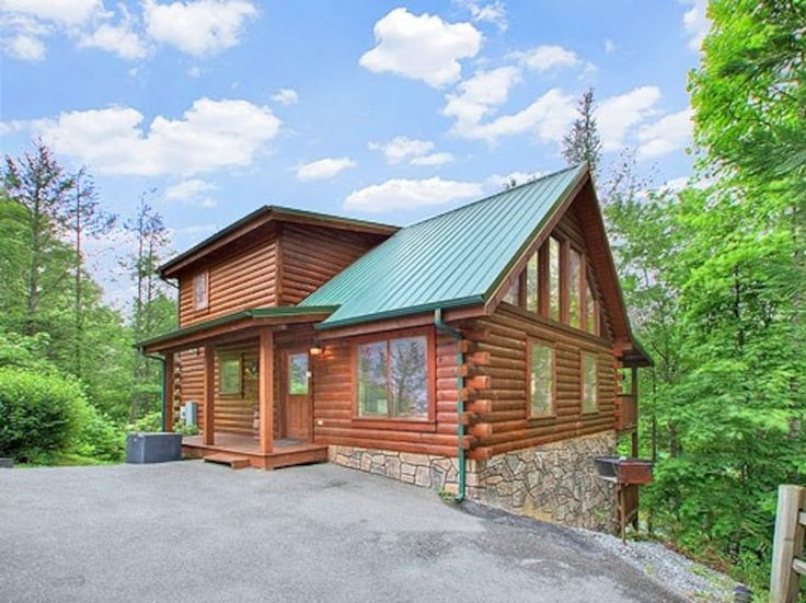 Log cabin 5 minutes from downtown  - Cabins for Rent in Gatlinburg, Tennessee, United States