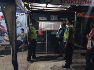 Anggota Polsek Dolopo Melaksanakan Pengamanan Di Turnamen Bola Voli