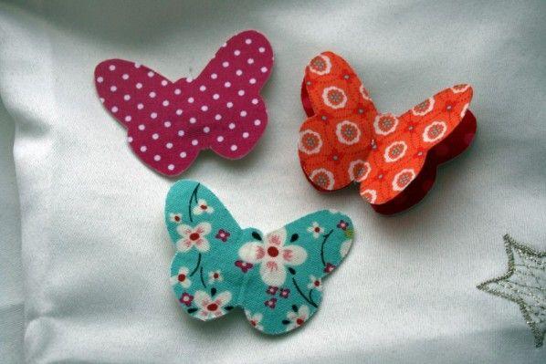 Aujourd'hui, je vous présente de petites barettes papillon... le tuto a été trouvé ici chez Stef et sa belette.  Le papillon orange est différent des