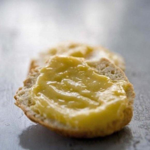Engelska scones med lemoncurd