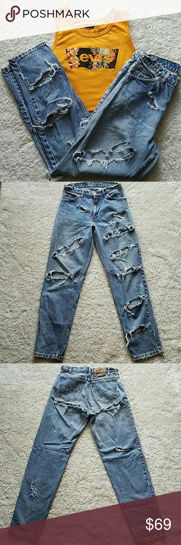 LEVI'S 550 DESTROYED JEANS~VINTAGE LEVI'S 550 DESTROYED JEANS ~VINTAGE BOTTOMS UP!! TAGGED: W30 L32 MEASURED: W28 1/4 L31 RISE: 11 Levi's Jeans