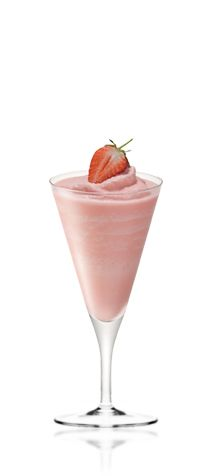 Amarula Sunset – A strawberry float with a tot of Amarula to make this cocktail even more indulgent.  Get the recipe at http://www.amarula.com/entertain#amarula-cocktails.