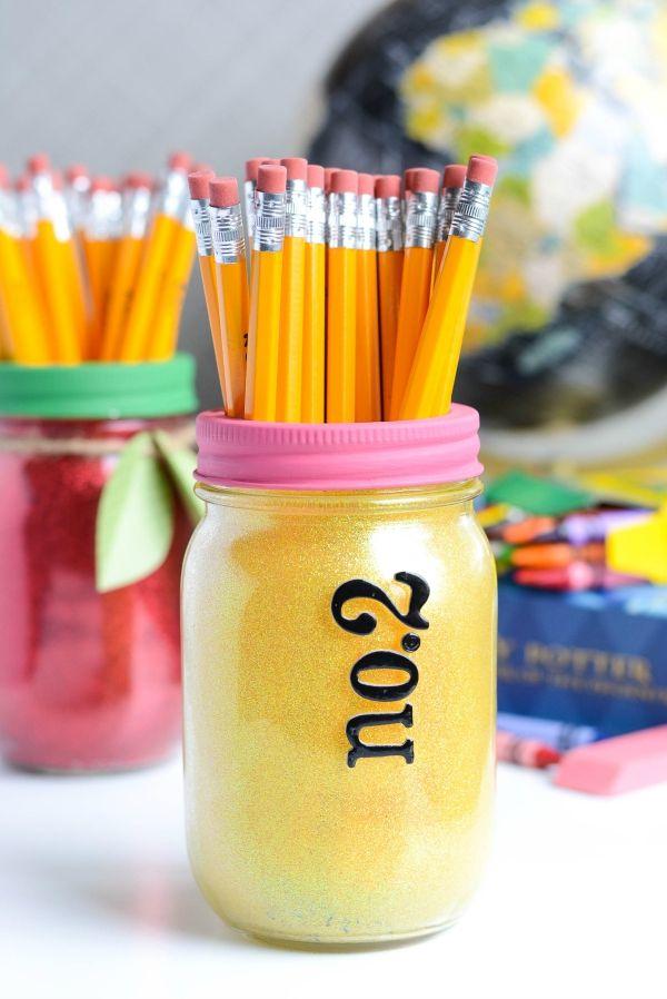 DIY: glitter mason jars