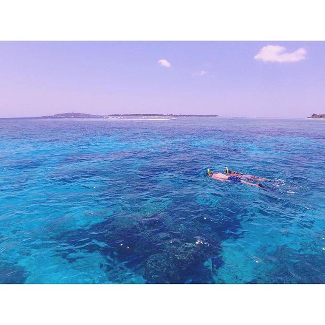 【tripyuuu】さんのInstagramをピンしています。 《ギリのシュノーケリングツアーはとにかく安い☺︎ 3つポイントをまわって4時間で100.000Rp  850円くらい‼︎ 海は綺麗だし ウミガメにも会えたし ありがとう♪大満足☺︎♪ #gilitrawangan#gili#giliislands#beach#sea#sunny#swimming#schnorchel#bali#indonesia#surf#beautiful#trip#travel#travelgram #ギリ#ギリ島#ロンボク島#シュノーケル#バリ#インドネシア#ビーチ#海#旅#旅行#旅好きな人と繋がりたい#写真好きな人と繋がりたい #tg870 #olympus》