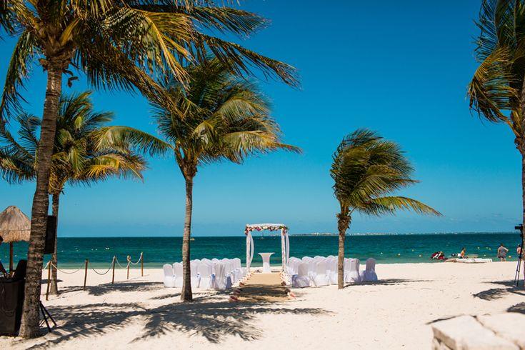 Beautiful Beach Wedding at Excellence Playa Mujeres    Mexico wedding venues (Jonathan Cossu Photographer)