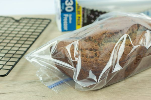 How to Store Banana Bread (with Pictures) | eHow
