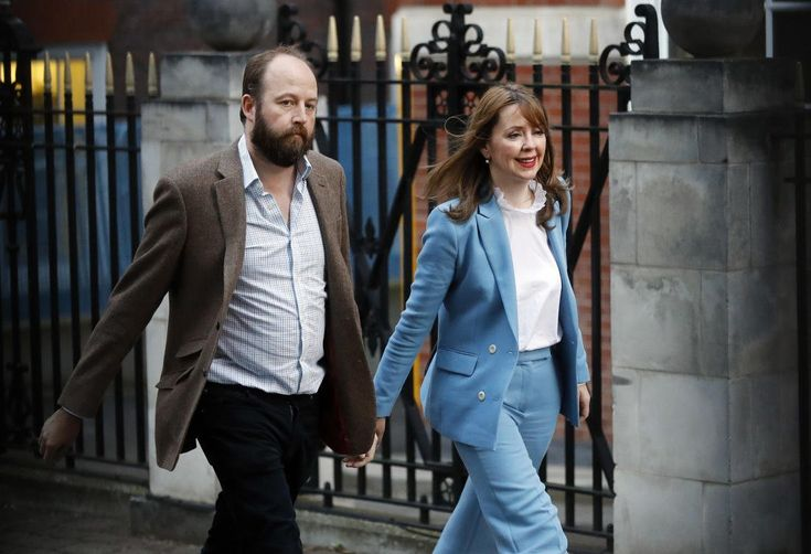British PM's top aides quit after election disaster http://betiforexcom.livejournal.com/24801426.html  Author:APSat, 2017-06-10 19:36ID:1497106406418603200LONDON: British Prime Minister Theresa May's two closest aides announced their resignations Saturday after a crushing electoral setback that left her authority in tatters. Senior members of the ruling Conservative party had reportedly made the departure of Nick Timothy and Fiona Hill a condition of allowing May to stay on after losing…