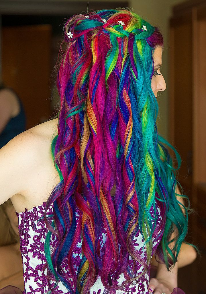 This is some amazing hair!! Not something I would personally do, but amazing nonetheless. Photo courtesy of Sarah Place Photography https://www.facebook.com/sarahkatherinephotography