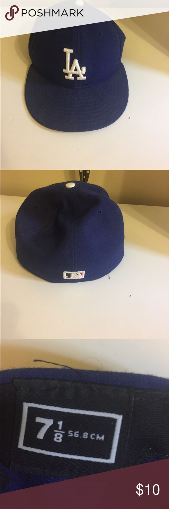 LA dodgers hat Iike new, 7 and 1/8 mlb Accessories Hats