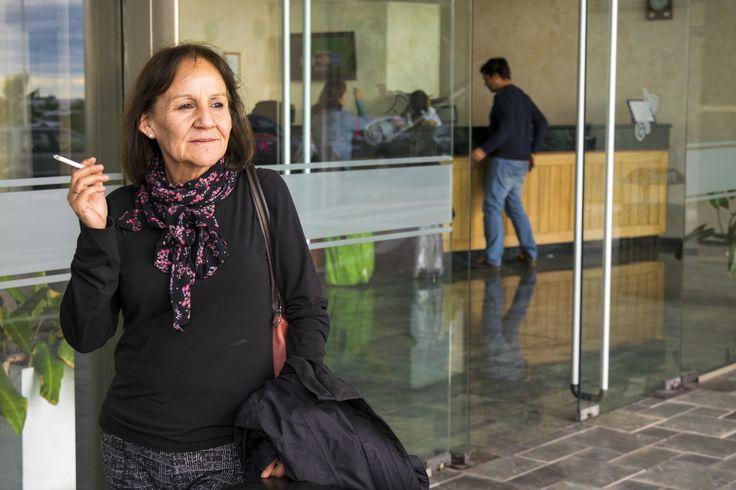 https://flic.kr/p/V1iRt5 | Gloria029 | Admirable compañera y amiga. La única que me soporta, Hotel Diego de Almagro, calle Manuel Verbal, Antofagasta, Chile. D5300.