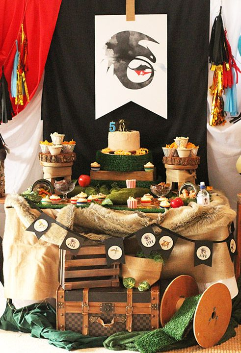 How-To-Train-Your-Dragon-Birthday-Party-Table / styling by Paper Face Party