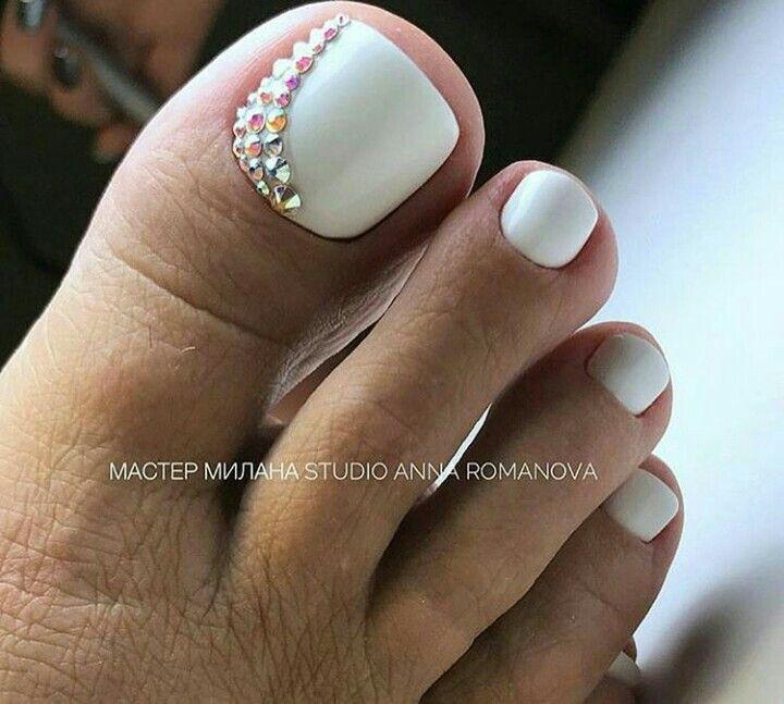 White Toenails Pretty Toe Nails Toe Nails Toe Nail Designs
