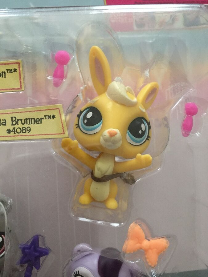 New Littlest Pet Shop Vip Friends Amigos Exclusive 4 Pack Cora Bria Cake Toppers Ad Affiliate Vip Friends Amigos Little Pets Littlest Pet Shop Pet Shop