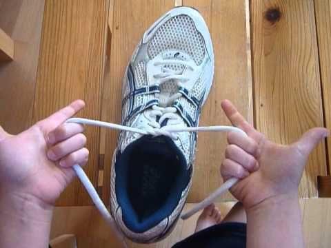 Wie lernt mein Kind eine Schleife zu binden?   windeln.de   windeln.de