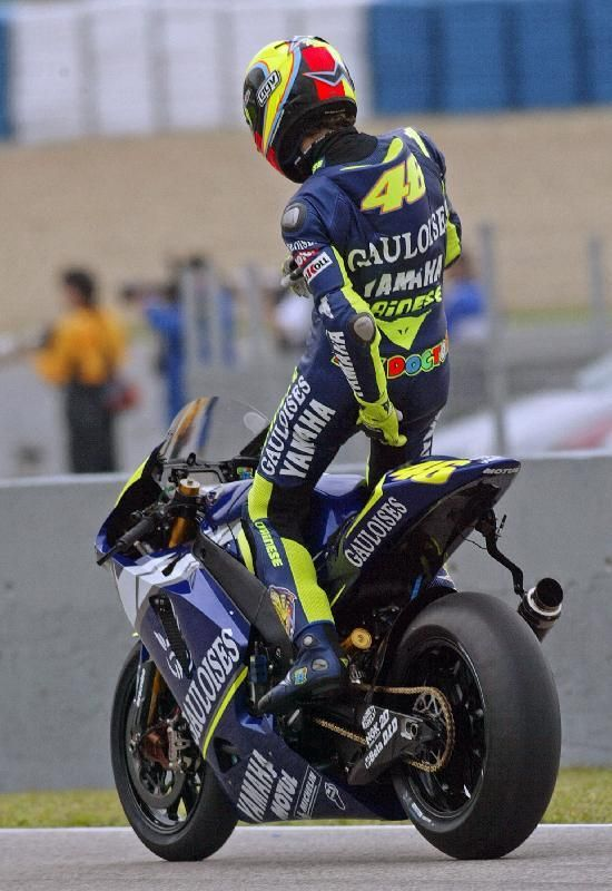 Valentino Rossi (Reuters) Vale does his EVERY TIME he leaves the pit lane to go out on track. It is part of his ritual.😂