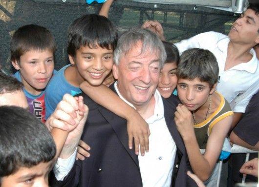 AGOSTO 10, 2005 Néstor Kirchner en el Día Internacional de la Juventud en River Plate, 2005