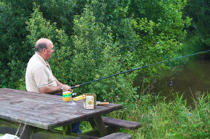 Free fishing when you book accommodation at Meadow Lakes, some accommodation available over the winter, Christmas & New Year