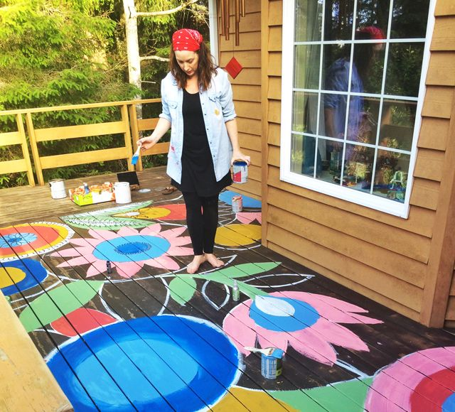 Painted Deck Looks So Fun With Colorful Flower Design