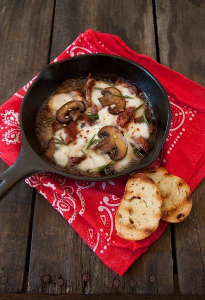 Mushroom,-sun-dried-tomatoe-and-mozzarella dip