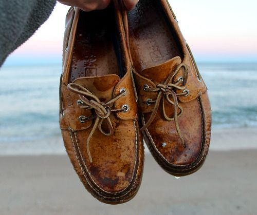 Sperrys on the beach. lololol my sperrys look exactly like this. kinda  ruined but still the best and most comfortable shoes in my closet.
