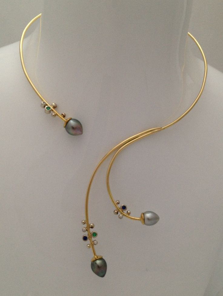 Collier en or avec perles • SCARO par Caroline Arbour • www.scaro.ca