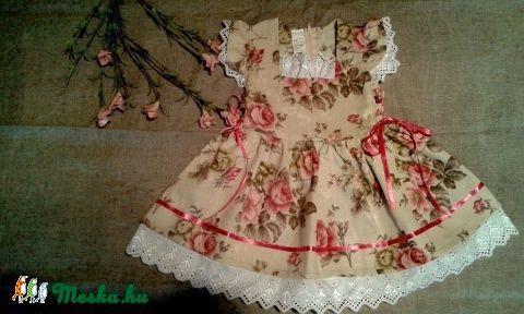 Angol rózsás lányka ruha kabáttal (peteryeva) - Meska.hu