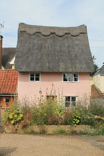 lovely pink cottage - Thatched Rood
