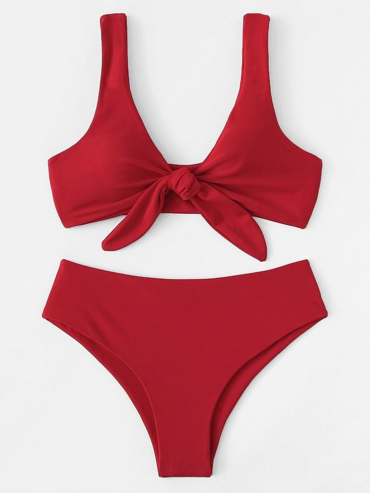 Roter Badeanzug mit knotiger Vorderseite und hohem Bikiniunterteil