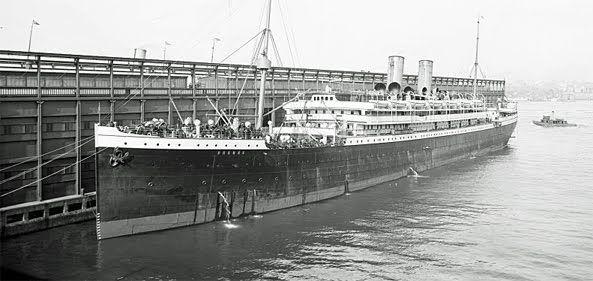 RENOVAÇÃO: Assista ao naufrágio do Titanic em tempo real....