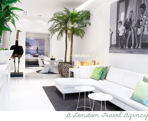 Skarp agent stellan herner interiors travel agency for Travel agency interior design