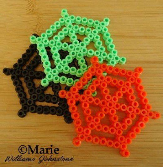Fused perler and hama bead patterns and designs to use in your spooky Halloween…