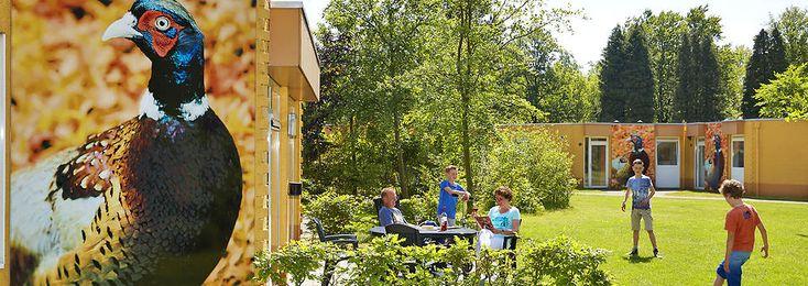 Voor dierenliefhebbers  is deze geschakelde complete vakantiebungalow voor grote gezinnen met 5 personen op het vakantiepark Dierenbos perfect.
