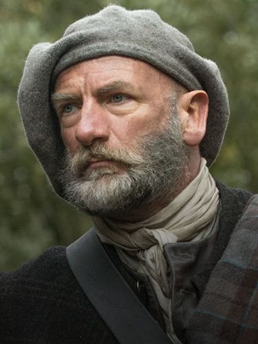 Scottish men...real men! Graham McTavish from Outlander