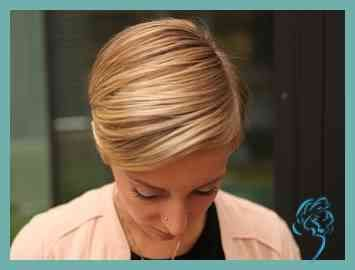 Styling Short Hair Everyday: Day 1 | girlfriend.de | Ladies Hairstyles – # ladies #friendinde # hairstyles #hairs # everyone #short #new #styles #day