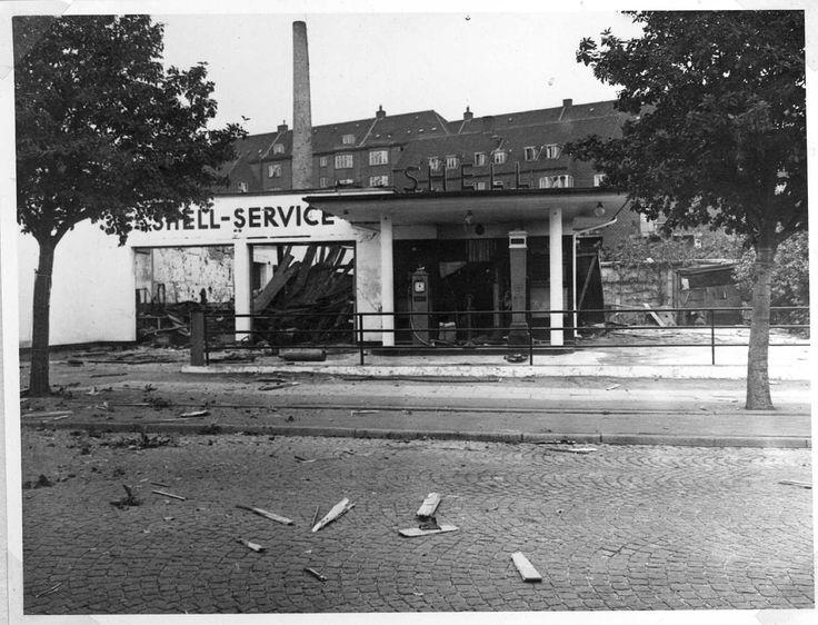 Den 21. august 1944 placerede medlemmer af Rejsegruppen fem sprængladninger i Brdr. Jørgensens Motorcykelværksted på Silkeborgvej 20 (hvor Prismet og Shell-tanken ligger i dag). Bomberne gik af kl. 02.27 og ødelagde 21 tyske militær-motorcykler. (Besættelsesmuseet).