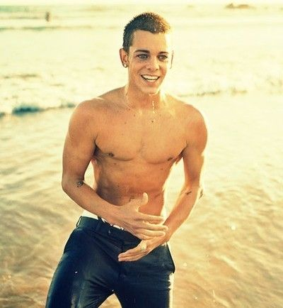 I want ryan shecklers dick very