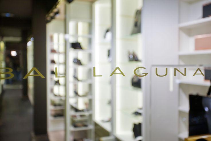 Escaparate de la tienda de Hannibal Laguna Shoes&Accessories #tiendas #Madrid #moda