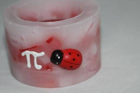 """https://flic.kr/p/MoEvfi   MARBLE CENTREPIECE – MADE OF WAX   Round marble – red, pink and white colours – centrepiece made of wax, decorated with a plastic ladybug and a white freehand """"pi"""" in 3D; with a tealight inside; 100% natural essential oil with lavender fragrance. Diameter: 80 mm. It's a perfect favour or decoration for your Mathematics degree!  Handmade.  Read more:   www.ilmiomondoincera.com"""