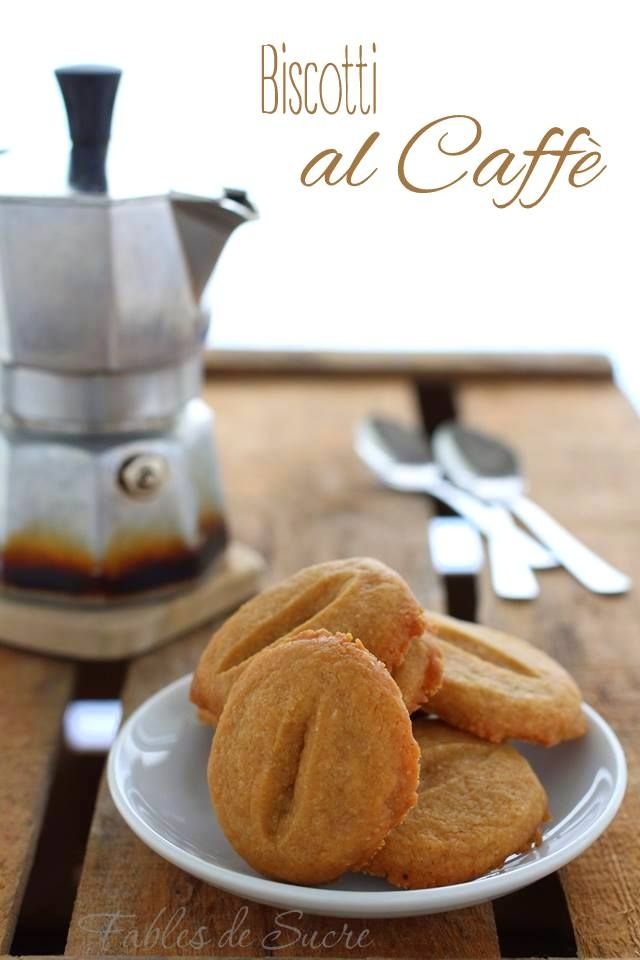 Biscotti al caffè ideali per la colazione, un break oppure la merenda. Sono facili da fare, friabili, profumatissimi e con un gusto delicati al caffè.