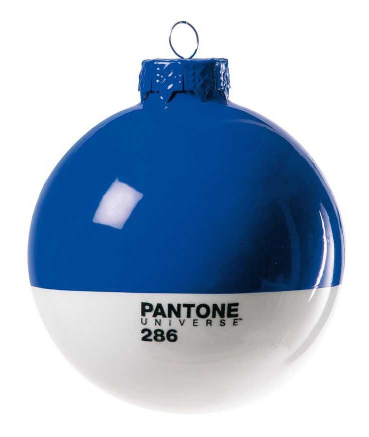 Pantone 286 as an ornament. In Detail.
