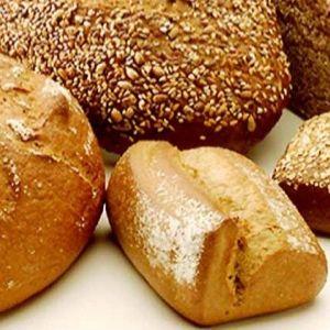 Chudnij i nie rezygnuj z chleba !     Dość częstym argumentem, dlaczego ktoś się zdrowo nie odżywia jest brak czasu. A zdrowe nawyki żywieniowe to kwestia przyzwyczajenia i dobrego planu. Modne bywa także rezygnowanie z chleba, a przecież produkt ten jest zdrowy i najlepszy kiedy brakuje czasu na przygotowanie posiłku ! Kliknij w zdjęcie i czytaj dalej...