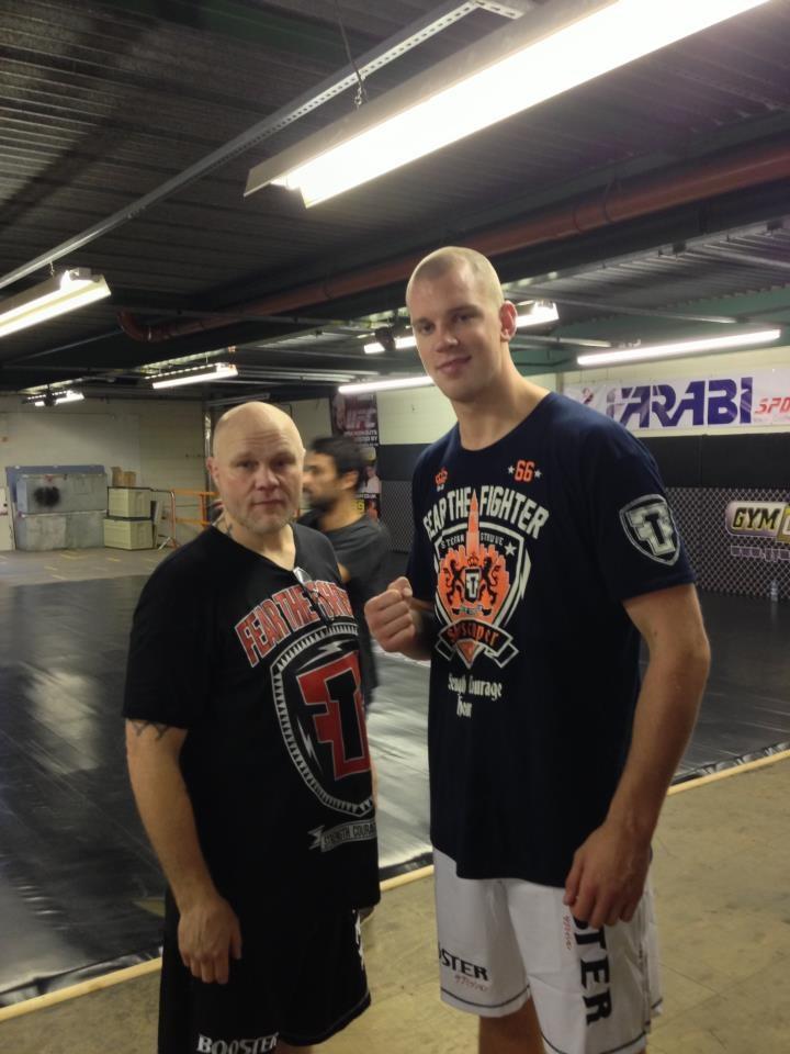 http://www.fearthefighter.com/online-store/athletes/stefan-struve-signature-t