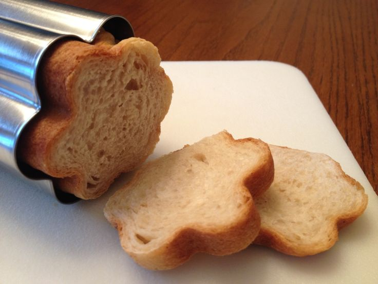 Bread Molds or Bread Tubes are long metal cylinders with removable end caps that come in a variety of shapes - circles, flowers/florets, hearts and stars.To use, coat the inside of the tube and the end caps with cooking spray. Place a roll of bread dough inside (refrigerated french loaf works…
